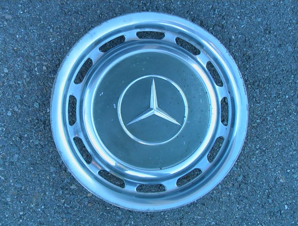 15 mercedes benz 300d 240d 14 factory wheel covers for Mercedes benz hubcaps