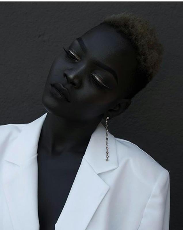 Conozcan a Nyakim Gatwech, la Diosa de Ébano de Sudán
