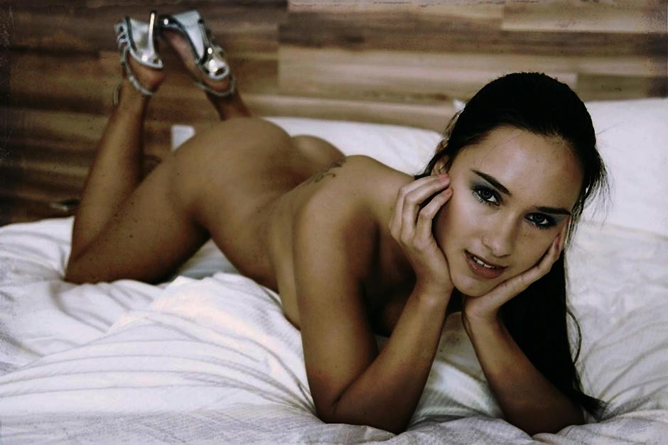 Conozca las ventajas de dormir desnuda