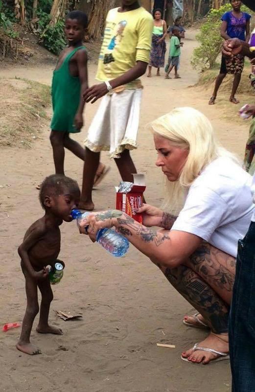 Una-activista-danesa-rescata-a-uno-de-los-niños-acusados-de-brujería-en-Nigeria
