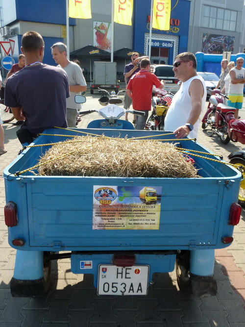 Nákladná verzia mopedu Čezeta