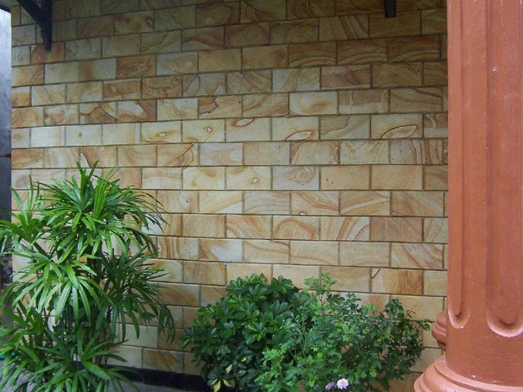 rumah dengan model batu alam creo house