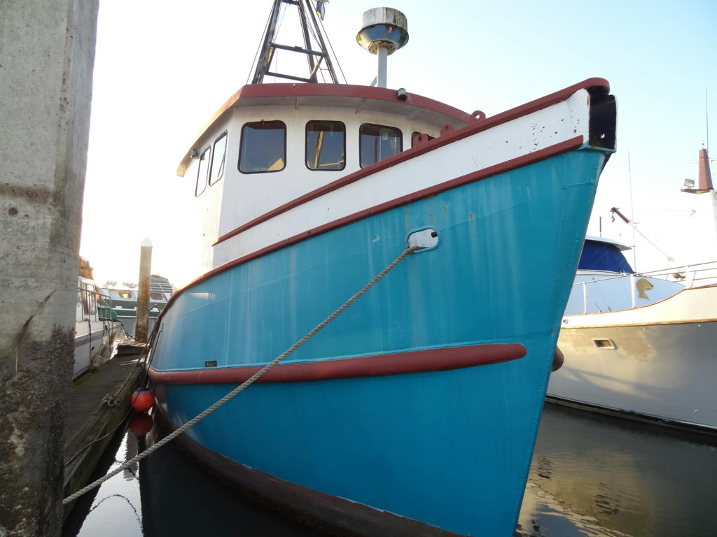 Commercial fishing boat manufacturers for Fishing boat brands