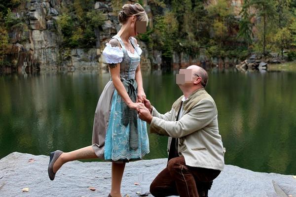 Hombre descubrió que se casó con su nieta sin saberlo