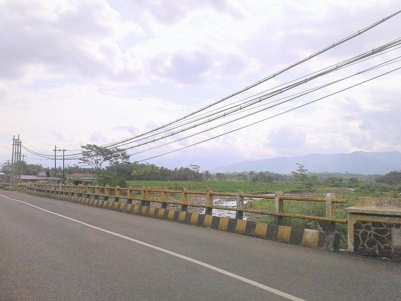 Pemandangan Menuju Wisata Jembatan Cinta Pring Wulung