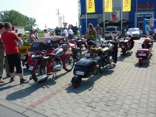 Motorky a mopedy