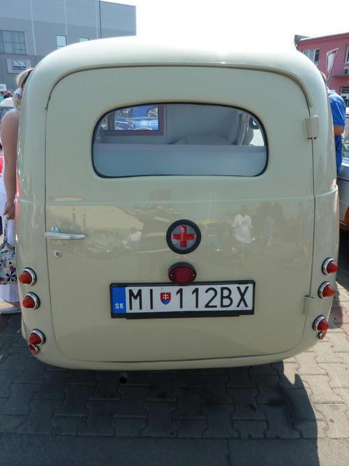 Škoda 1100 Tudor sanitka