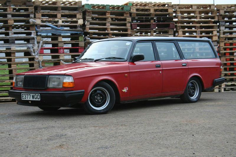 Lowering Volvo 240 | Retro Rides