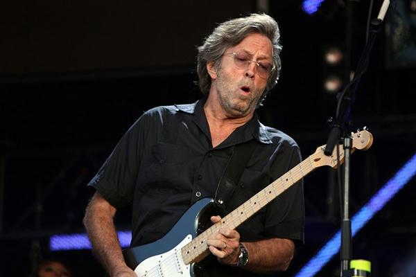 La tragedia de Eric Clapton: Sordo y pierde movilidad en manos