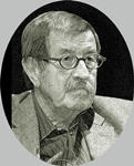 Günter Grass, (1927 - 2015) escritor y artista alemán, galardonado con el Premio Nobel de Literatura y el Premio Príncipe de Asturias de las Letras, en 1999. En el libro reflexiona sobre como a los 17 años, en el ocaso del III Reich, formó parte de las Waffen-SS, las tropas de élite NAZI. Grass fue durante el resto de su vida un baluarte moral de la izquierda alemana y el látigo con el que se fustigó a la hipócrita derecha alemana, salpicada aún de nazismo
