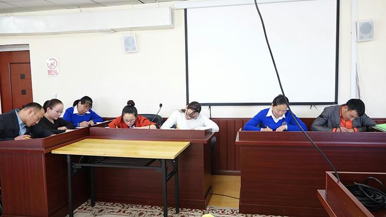 Захиргааны ажилтнуудын  дунд сорилын шалгалт зохион байгууллаа.