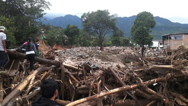 Víctimas por avalancha en Mocoa sobrepasan las 200 en medio de temporada de lluvias