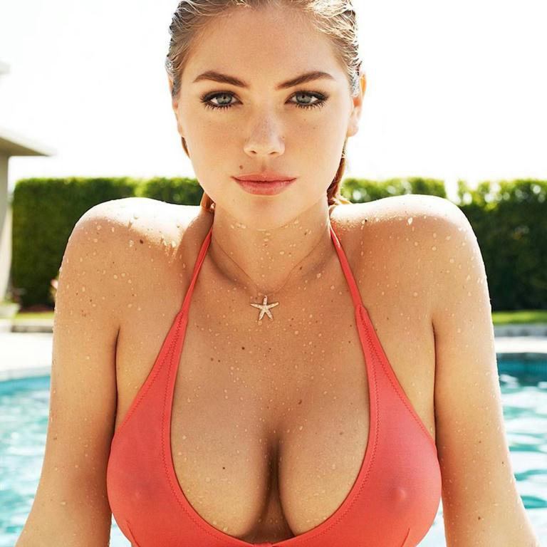 Emily Joe Everson desnuda