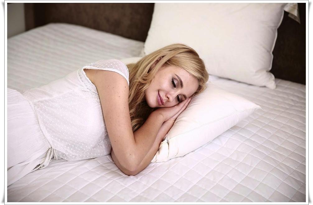 Científicos recuerdan porque es importante dormir del lado izquierdo