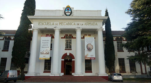 Edificio-de-la-antigua-Escuela-de-Mecánica-de-la-Armada,-más-conocida-por-sus-siglas-ESMA,-hoy-convertido-en-museo