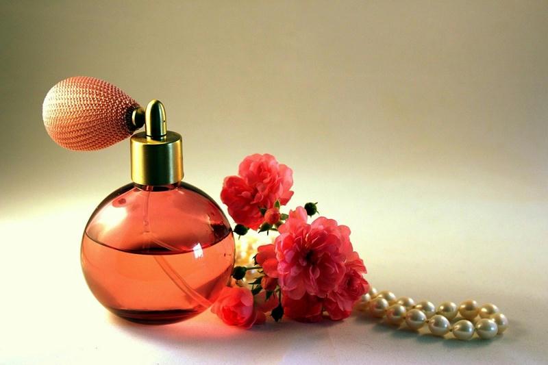 Alertan por riesgo cancerígeno de los perfumes falsificados