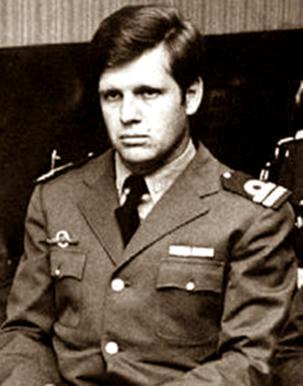 Capitán-de-fragata-de-la-Armada-Argentina-Alfredo-Ignacio-Astiz,-conocido-como-el-ángel-rubio-y-el-ángel-de-la-muerte