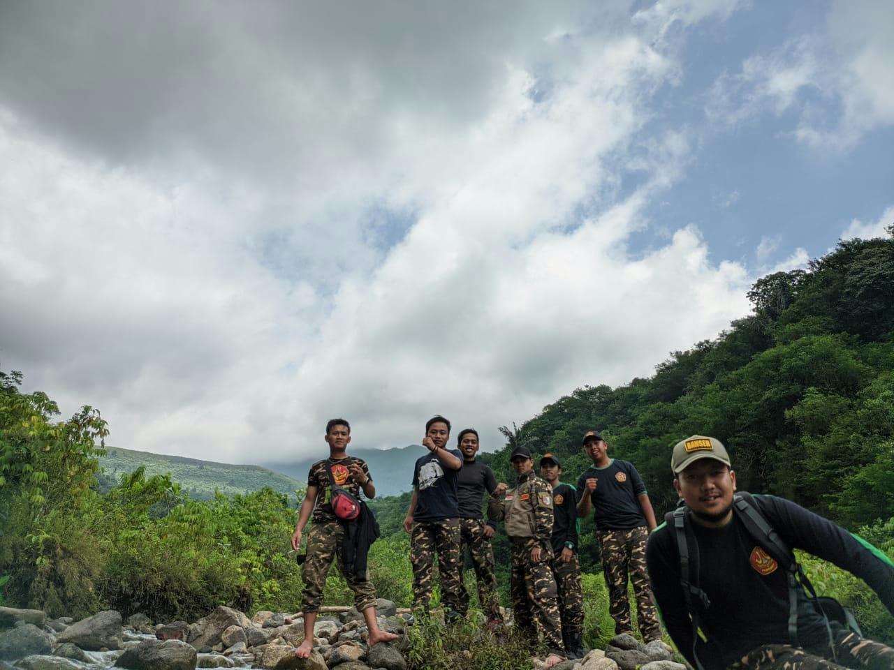 Gebrakan Pengurus Baru Satkoryon Banser Tamansari. Latgab di Alam terbuka