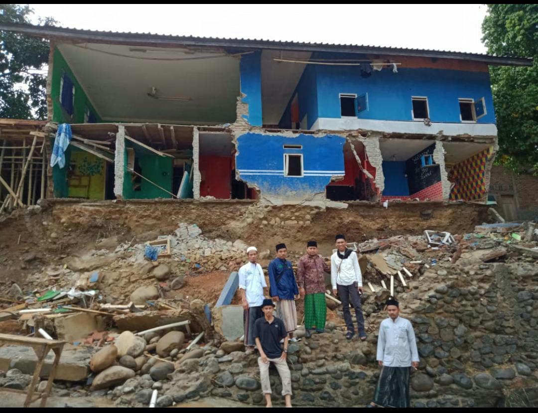 Bogor Diterjang Banjir, Puluhan Pesantren Rusak Parah
