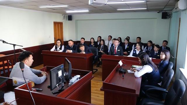 Шүүхийн Ерөнхий зөвлөлийн ажлын хэсэг Хөвсгөл аймаг дахь шүүхийн тамгын газрын үйл ажиллагаатай танилцлаа