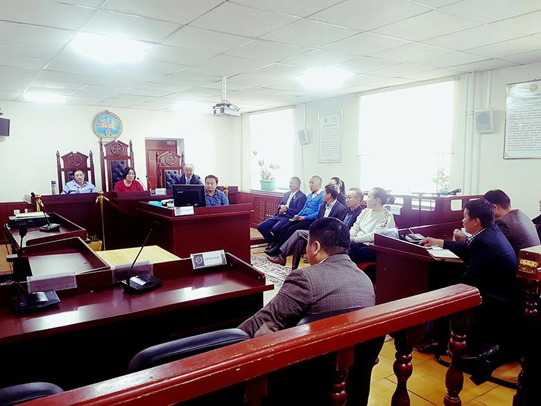 Говь-Алтай аймагт шүүх байгуулагдсаны түүхт 80 жилийн ой тохиохтой холбогдуулан шүүгч, ажилтнуудын нэгдсэн хурал боллоо.